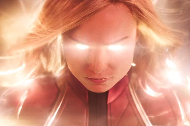aptain-marvel-trailer-glowing-carol-brie-larson